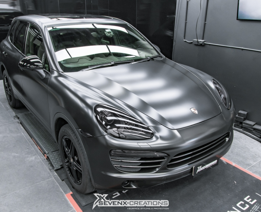 Porsche Cayenne Avery Satin Black wrap 5